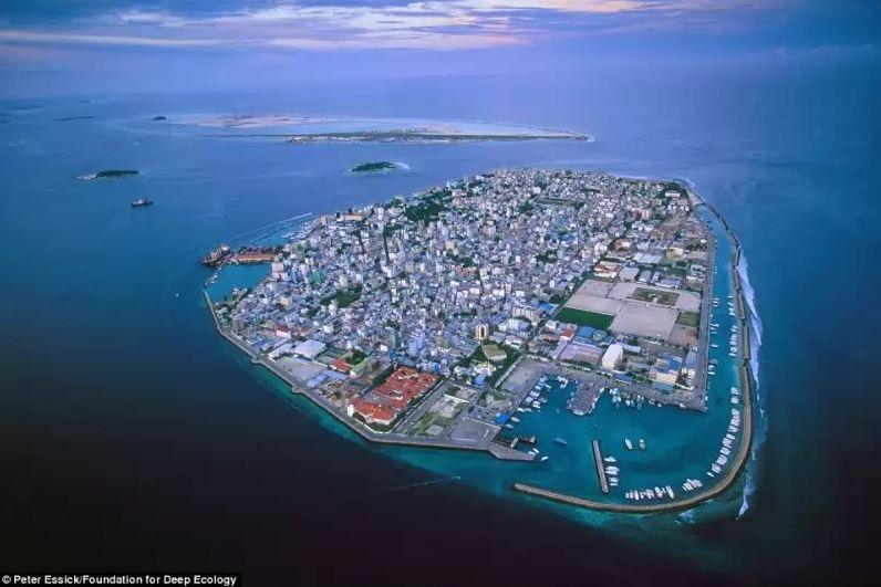Potápějící se Maledivy